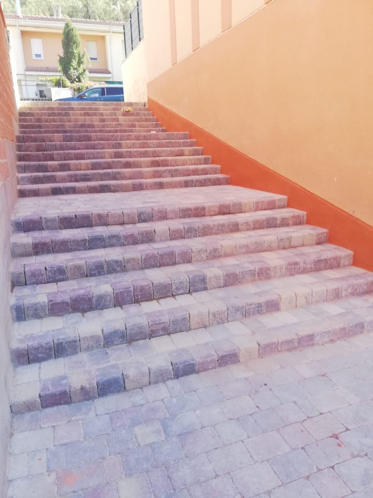 escalera_de_adoquines_arabes_en_trillo (1)